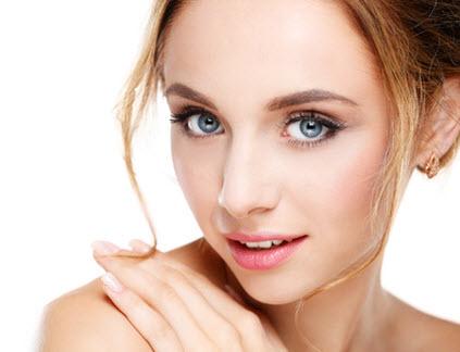 Schönheitsbehandlungen für Frauen - Gesicht